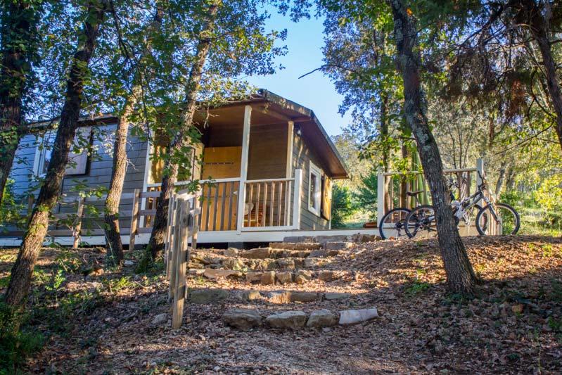 Chalet Campagnard - Location insolite du Camping du Domaine d'Anglas