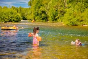 Baignade dans la rivière Hérault