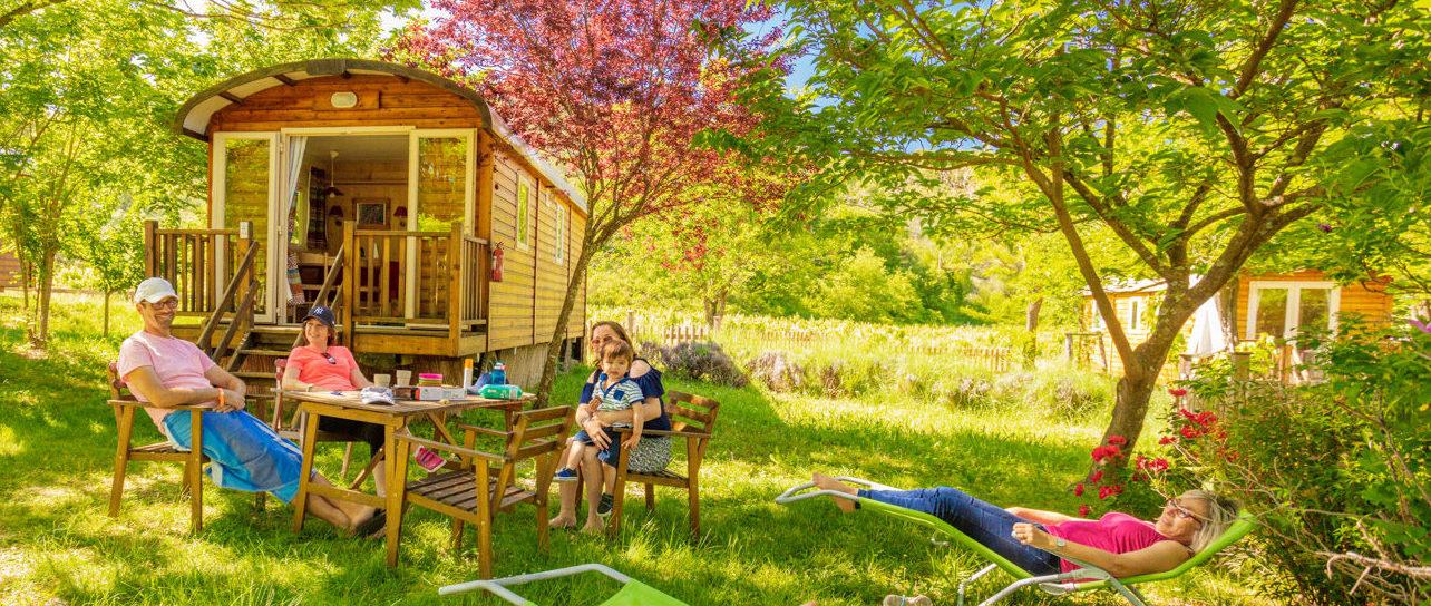 Roulottes bohème et repos en famille lors de vacances en Cévennes