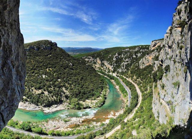 paysage sur la rivière de l'hérault